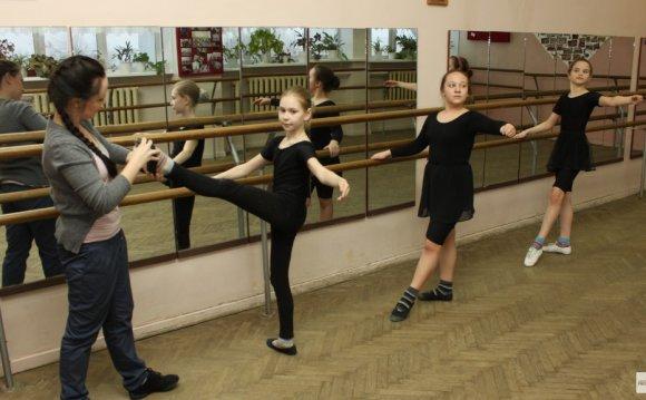 заниматься танцами